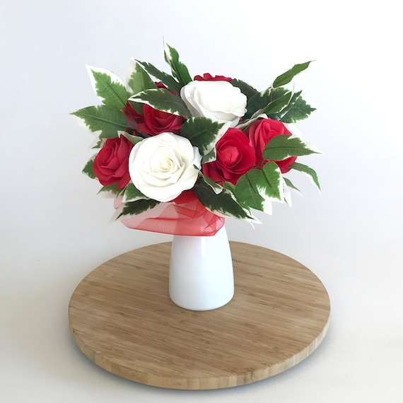 Red and White Paper Rose Gift bouquet - Graduation gift - Customizable colors