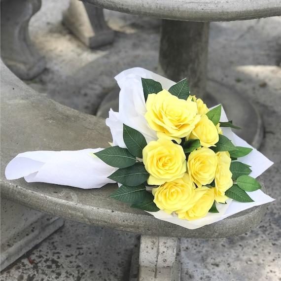Paper Flower Gift Bouquet - Customizable colors