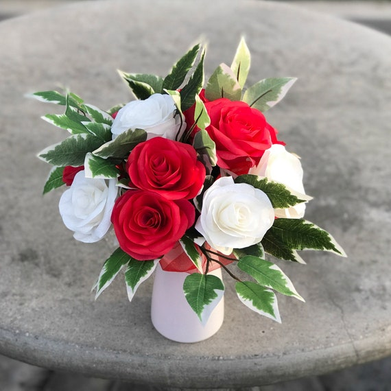 Red and White Paper Rose Bouquet - Gift bouquet