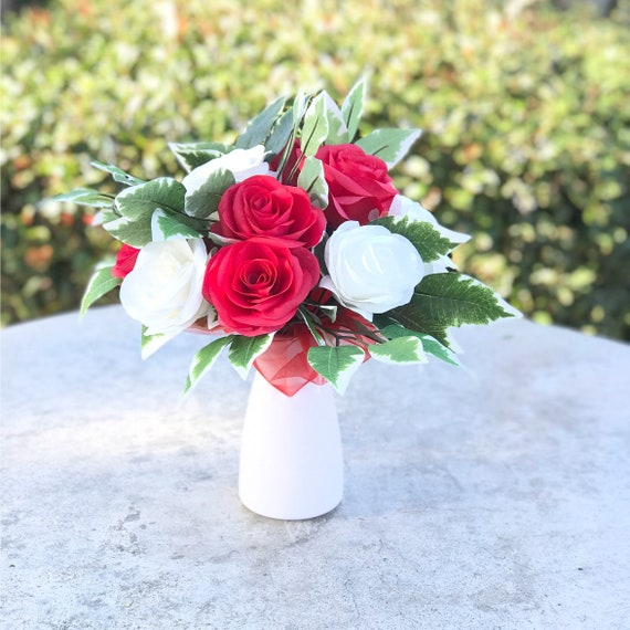 Red and White Paper Rose Bouquet - Gift bouquet - Valentine Bouquet