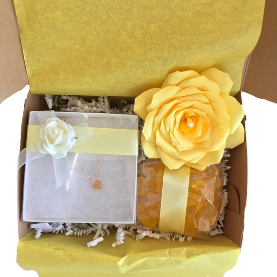 Flower candy and necklace gift box for Women - Choose your color