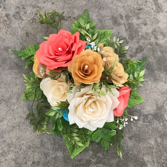 Centerpiece in Handcrafted Paper Flowers - Customizable colors