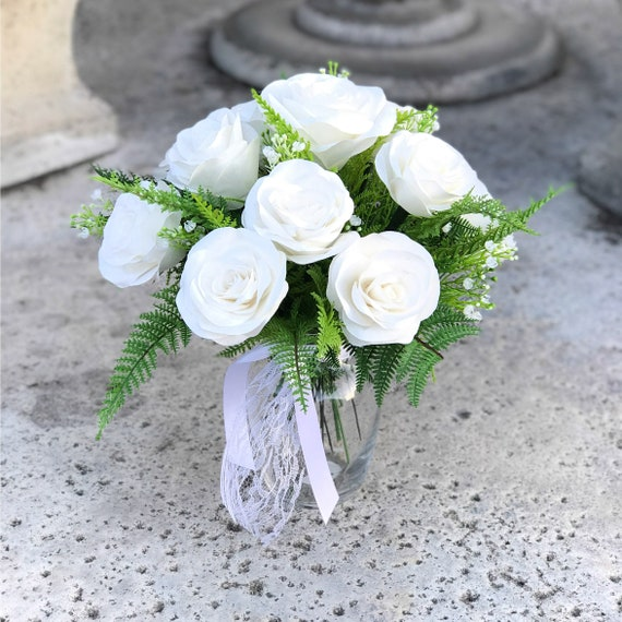 White Paper Rose Gift Bouquet