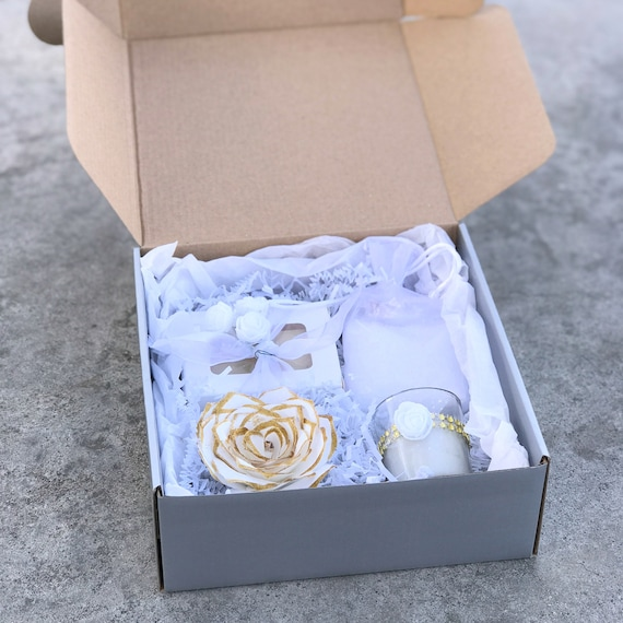 White and Gold Spa gift box