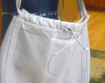 4081b4d11a1 Vintage Hobo Bags