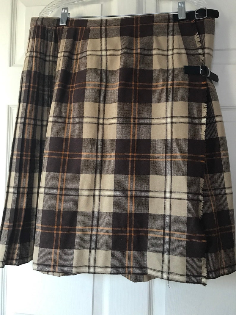 618dc2eb89 1960's Vintage Women Plaid Pleated Skirt. | Etsy