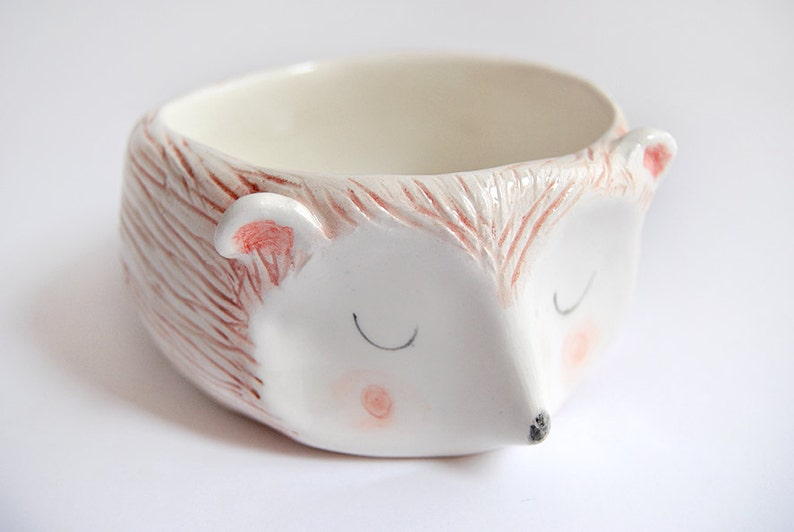 Hedgehog Bowl in White Clay Decorated with Pigments in Brown image 3