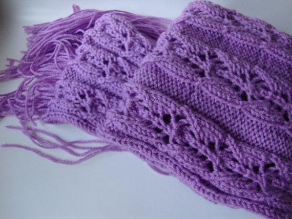 Lavande à la main en tricot écharpe en acrylique - femmes foulard - Vegan  foulard - écharpe en acrylique - frange foulard - Pastel violet ... cd56e09cbe3