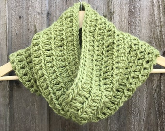 4041aeb2a0 Pure Wool and Alpaca Blend Chunky Hand Crocheted Snood   Neck Warmer   Cowl  in Pistachio