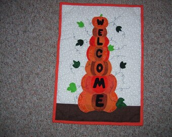 Pumpkin welcome quilt machine appliqued and quilted-wall quilt for fall-thanksgiving-welcome quilt