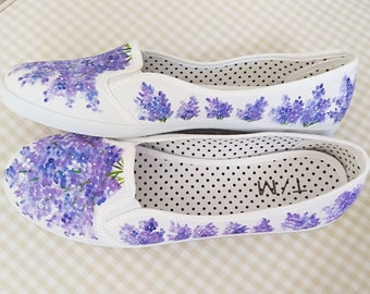 Hand-painted sneakers with lilacs US size 9