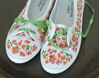 Hand-painted sneakers with quince flowers (Chaenomeles) US size 7,5 ; UK size 5,5