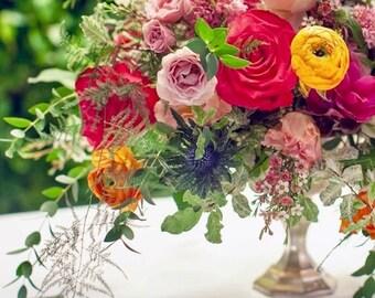 Wedding Centerpiece Decor/ Gold Candles/ Mercury Vase / Gold Candle Holder / Alter Centerpiece / Table Centerpiece / Gold Votives / Flowers