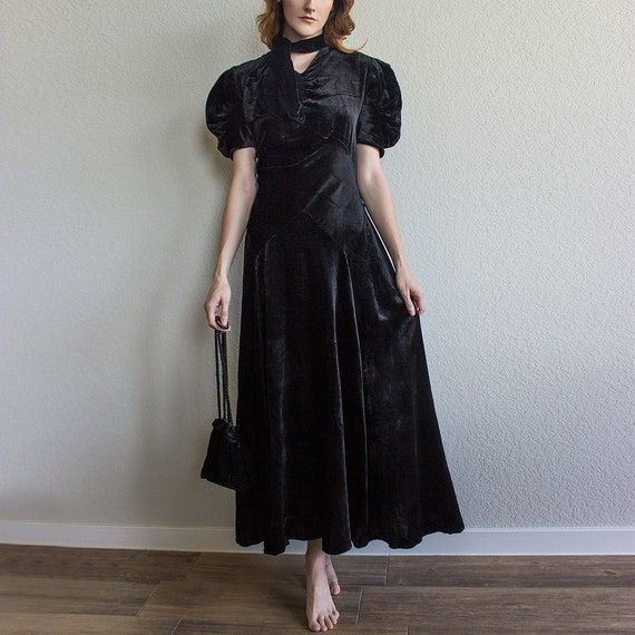 Vintage 1930s black velvet dress with matching sca