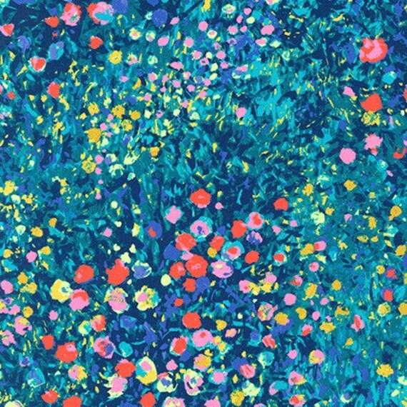 Painterly Petals by Robert Kaufman- Fat Quarter of SRKD-19149-205 MULTI