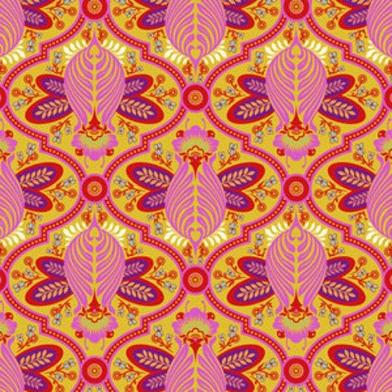 Fat Quarter Bee in Marigold  - Tula Pink's All Stars Fabric for Free Spirit Fabrics