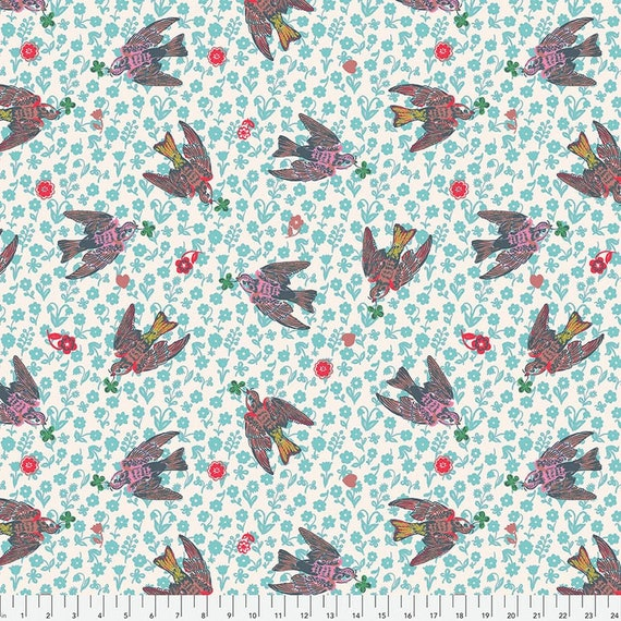 Woodland Walk by Nathalie Lete for Anna Maria Horner Conservatory - Fat Quarter of The Swallows in Rose