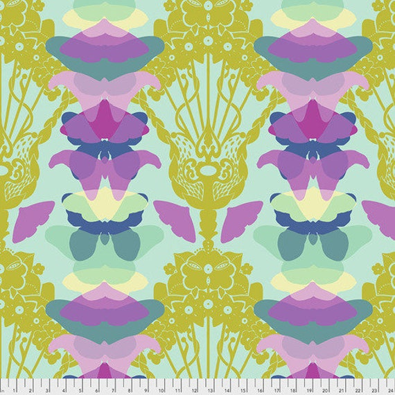 Hindsight by Anna Maria Horner for Free Spirit Fabrics- Fat Quarter of Ghost Nouveau in Sky