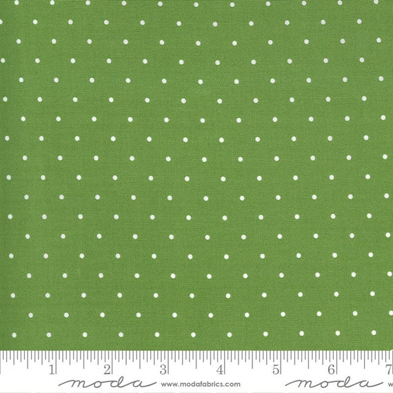 Sunday Stroll -- Sweet Dot in Green (55226 20) by Bonnie and Camille for Moda -- Fat Quarter