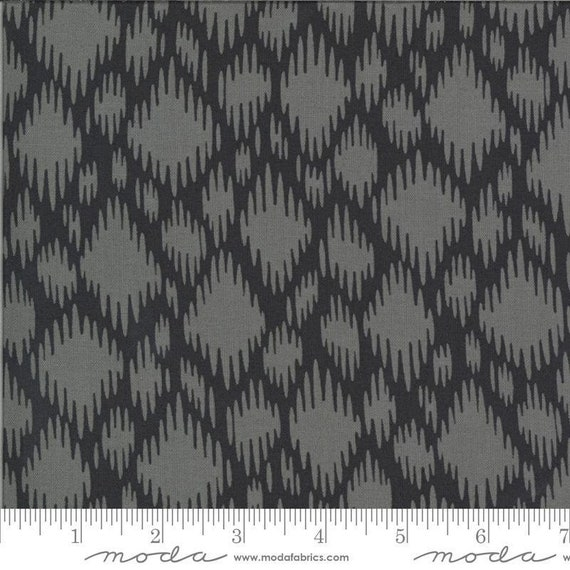 Moda Winkipop by Jen Kingwell -- Fat Quarter of 18194 19 Undercurrent in Charcoal
