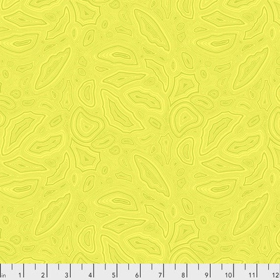Fat Quarter Mineral in Citrine - Tula Pink's True Colors for Free Spirit Fabrics