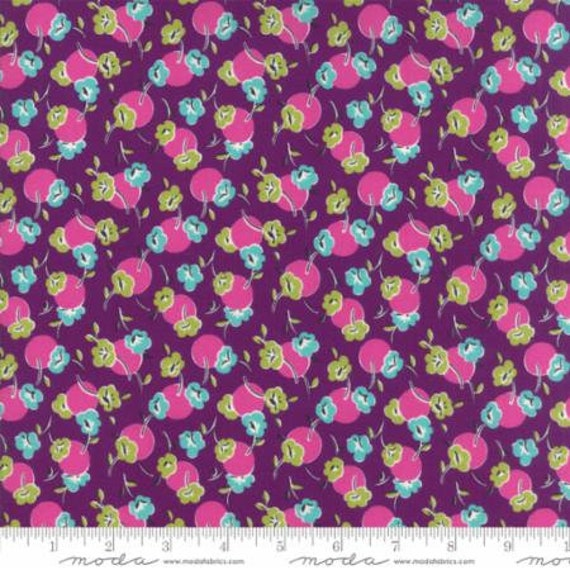 Moda Beach Road Floral Posie in Iris (1813217) by Jen Kingwell -- Fat Quarter