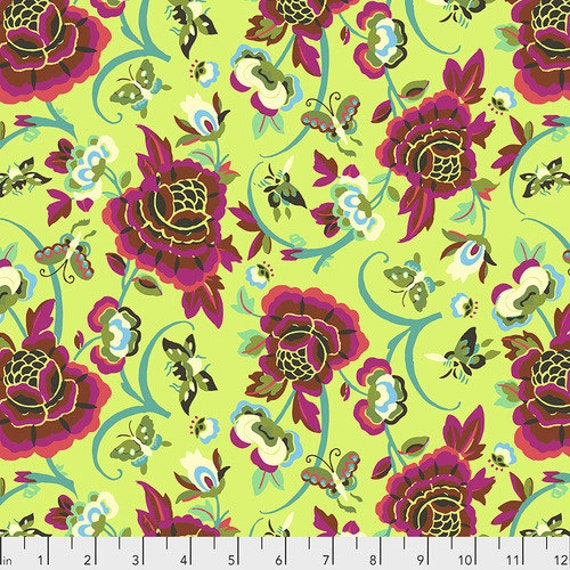 Amy Butler Natural Beauty -- Fat Quarter of Field Folly in Lime