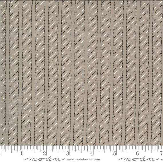 Moda Winkipop by Jen Kingwell -- Fat Quarter of 18197 18 Line in the Sand in Stone