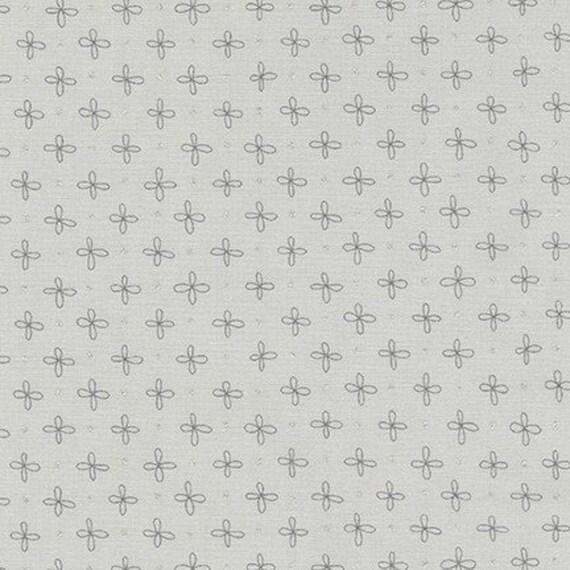 Robert Kaufman - Wayside by Karen Lewis - Grey stitch on grey (AWIM-18691-12)