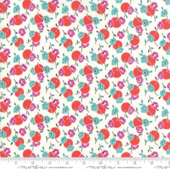Moda Beach Road Floral Posie in Fluffy White (1813218) by Jen Kingwell -- Fat Quarter