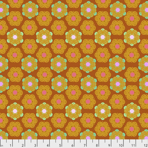 Hindsight by Anna Maria Horner for Free Spirit Fabrics- Fat Quarter of Honeycomb in Sunset