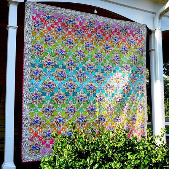 Tula Pink Daisy Chain in Light Quilt Kit