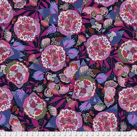 Shannon Newlin Vibrant Blooms -- Fat Quarter of Floral Express in Lavender