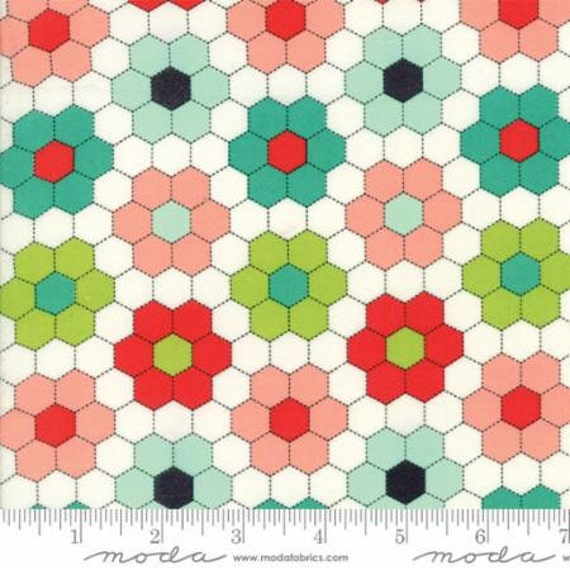 Moda Handmade Mini Hexagons Fat quarter