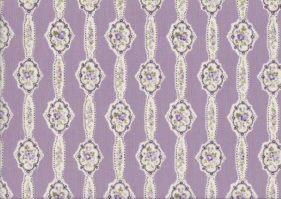 Japanese cotton fat quarter by Yuwa - Floral garlands in lavender