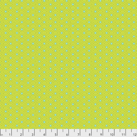 Fat Quarter Hexy in Chameleon  - Tula Pink's True Colors for Free Spirit Fabrics