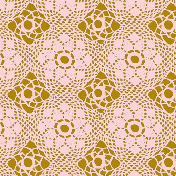 Handiwork by Alison Glass -- Fat quarter of Crochet in Blush