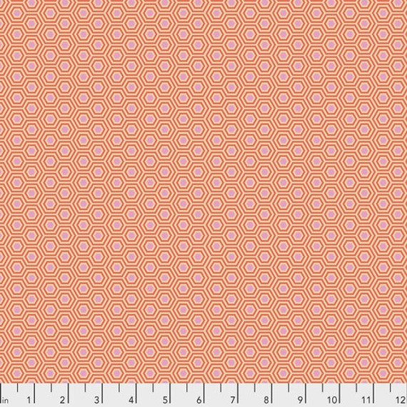 Fat Quarter Hexy in Peach Blossoms - Tula Pink's True Colors for Free Spirit Fabrics