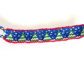 Snowy Christmas Trees Friendship Bracelet