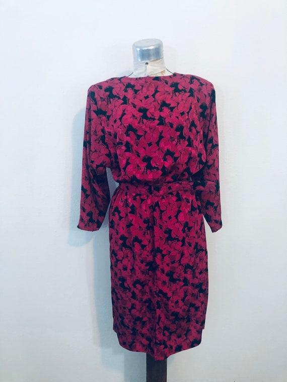 Vintage 1980s 90s blue dress burgundy shoulder pads belted pleated three-quarter length sleeve  Pellini von bramlett 12 medium large