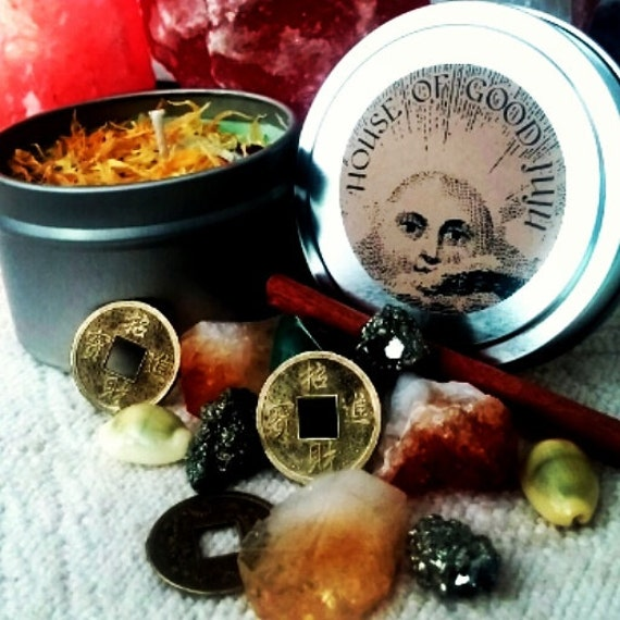 Abundance Manifesting Candle infused with Citrine and Pyrite