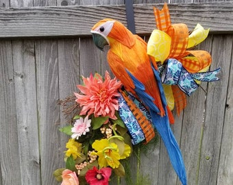 8 inch Aluminum Tropical Parrot Beach Wreath Accent Sign Wall and Wreath Decorations Embellishments