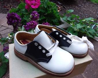 dd79e2985f211 Saddle shoes | Etsy