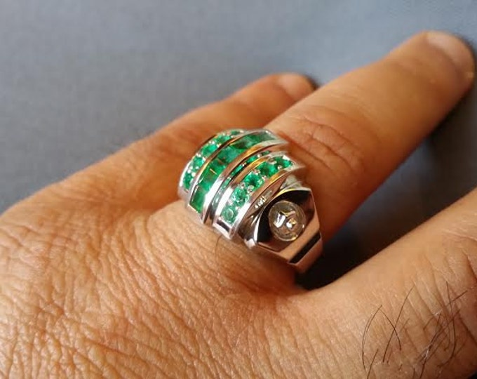 L-CROSS - 18k White Gold Classic Engagement or Wedding Band with Emerald stones (Item # LAMR-00582)