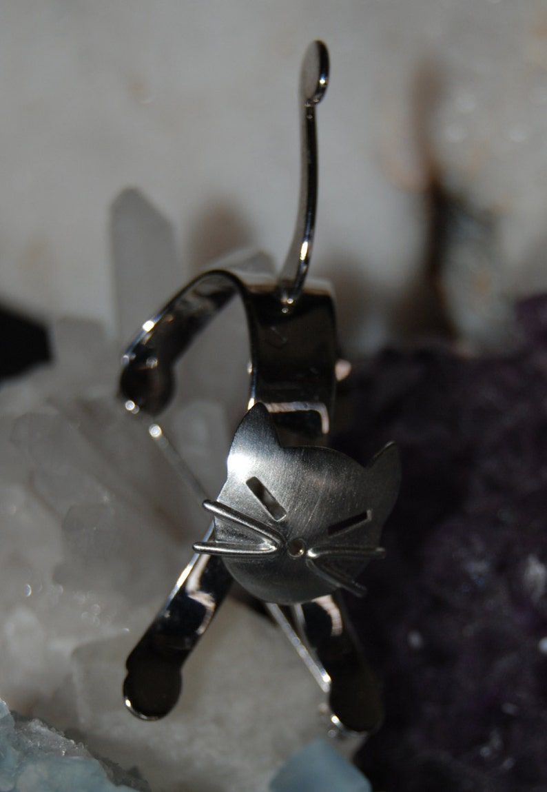 Sterling Silver Beau Designer Vintage Articulated Head Satin Finished Faced Kitty Cat Brooch #BKB-KBRCH147