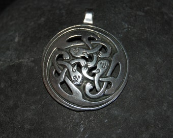 Irish Celtic Knot Kitty Cat Medallion in Vintage Sterling Necklace #BKC-KCHRM128