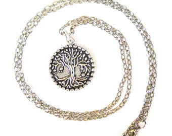 TREE OF LIFE medallion necklace/ Approx 30 inch long chain/ Beautiful Silver Plated Tree of Life medallion/ Perfect Sweater necklace!