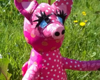 """PIG puppet of cloth """"actor"""" in the movie """"the truth, let me tell you, love"""""""
