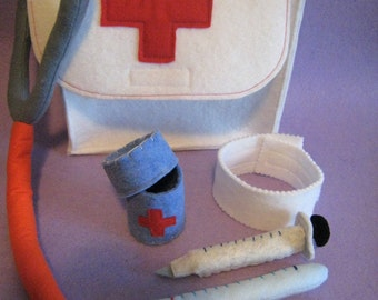 BRIEFCASE doctor or nurse of felt-handmade