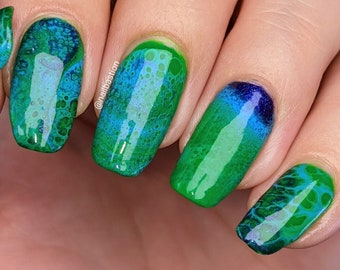 Seurat - Bright Grass Green Creme Nail Polish Fluid Art Mixer, DOES NOT contain the activator to make cells, formulated to use w/ fluid art